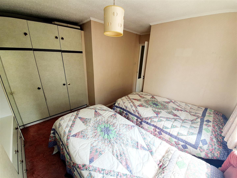 Maytree Close, Loughor, Swansea, SA4 6RR